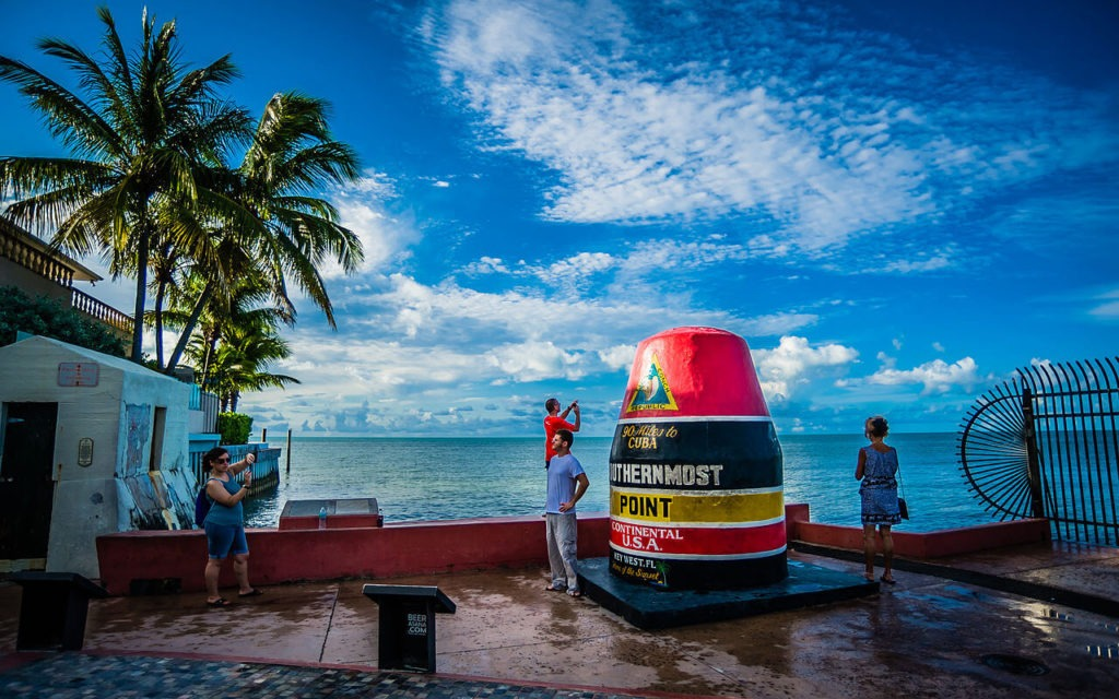 1280px-Southernmost_Point_Todd_Feit_Conchtastic_Key_West