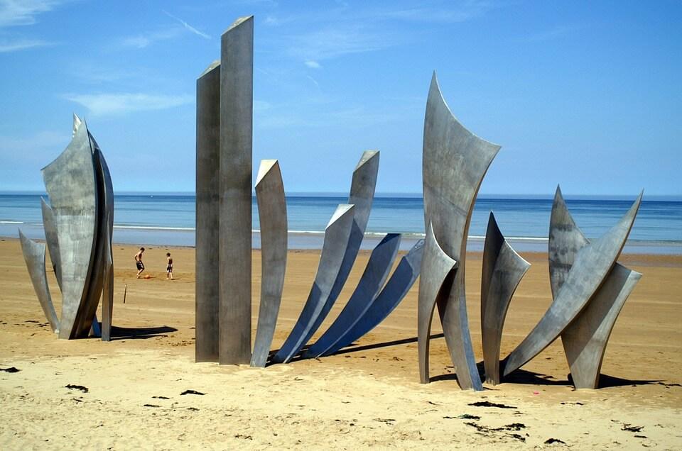 art sculpture on normandy beach france